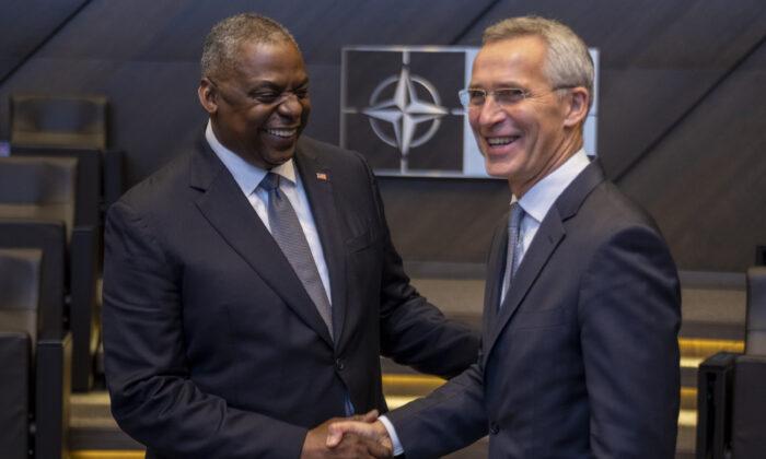 Austin y los líderes de la OTAN ponen énfasis en la defensa colectiva contra la amenaza de China