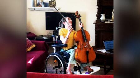 Joven de 15 años con rara enfermedad se convierte en extraordinaria concertista de violonchelo
