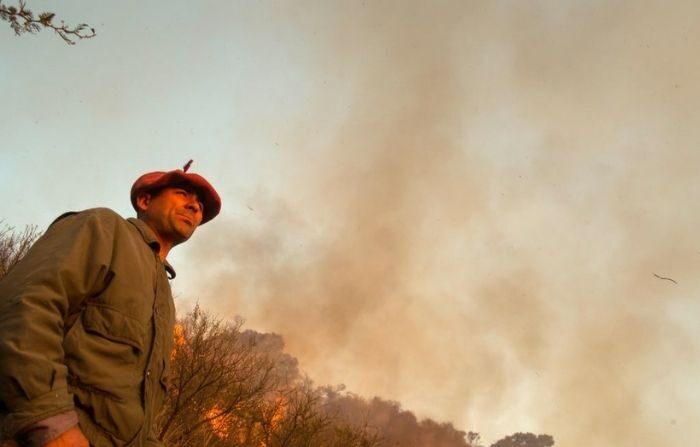 Un incendio forestal en la zona de Casa Grande el 26 de agosto de 2020 en Córdoba, Argentina. (Sebastian Salguero/Getty Images)