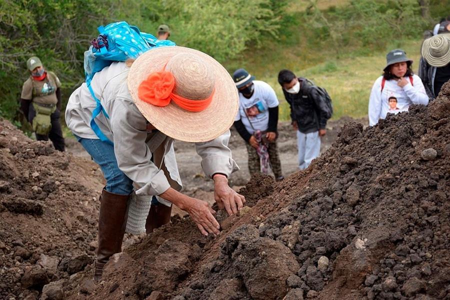 Hallan al menos diez fosas clandestinas en el estado mexicano de Morelos