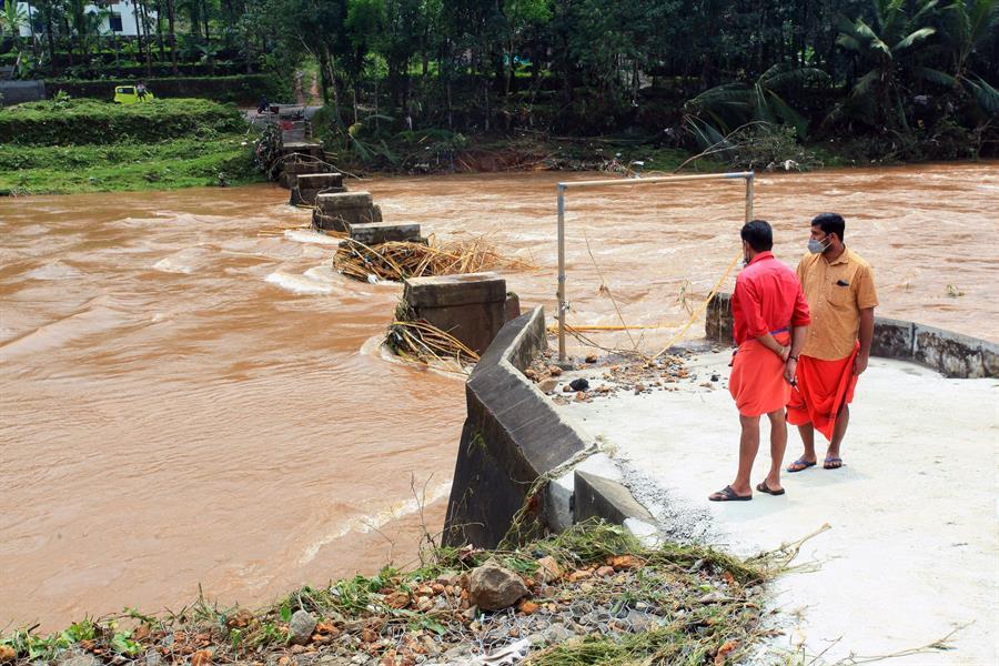 Casi 200 muertos por las lluvias torrenciales en la India y Nepal