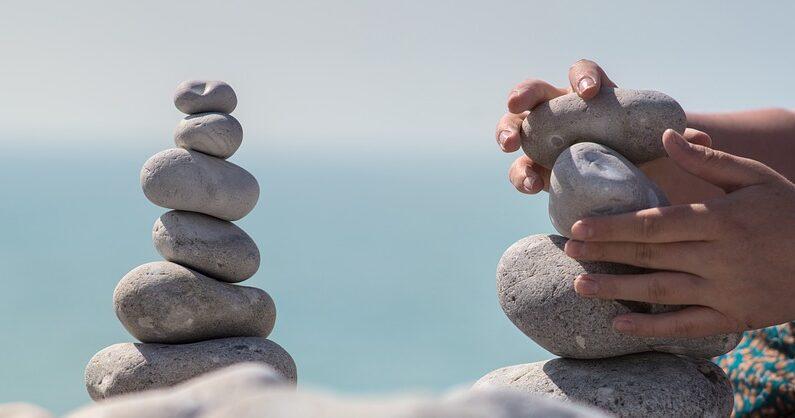 ¿Es posible lograr un verdadero equilibrio en la vida?(SamuelFrancisJohnson/Pixabay)