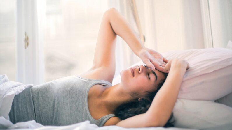 Si su cuerpo depende demasiado del azúcar para obtener energía, puede causar estragos en su metabolismo y despertarle por la noche. (Andrea Piacquadio / Pexels)