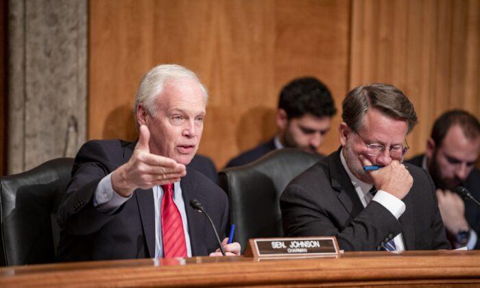 """EE. UU. ha """"perdido el control operativo"""" de la frontera suroeste, dijo grupo republicano del Senado"""