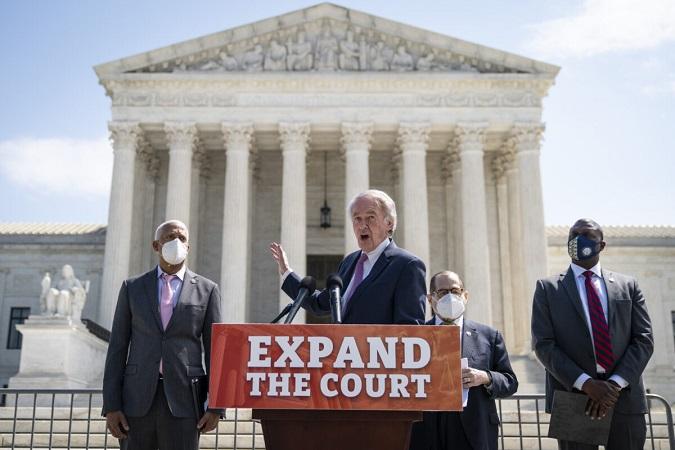 Progresistas están molestos con borrador de comisión de Biden sobre ampliación de Corte Suprema