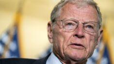 Importante senador republicano pide a Pentágono que suspenda orden de vacuna contra COVID-19