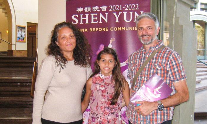 Shen Yun tiende un puente entre lo antiguo y lo moderno, dice consultor