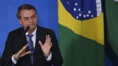 Bolsonaro sobre fraudes na Bolívia: 'O voto impresso é sinal de clareza para o Brasil'