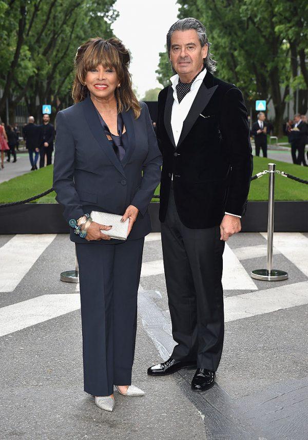 Turner com seu marido, Erwin Bach, na abertura dos 40 anos de Silos da Giorgio Armani e na recepção de coquetéis em Milão, Itália, em 30 de abril de 2015 (© Getty Images   Jacopo Raule)