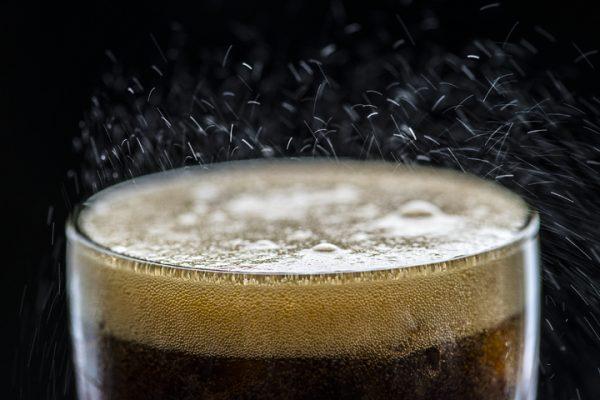 Os pesquisadores descobriram que apenas beber uma lata de refrigerante por dia aumenta o risco de câncer (Pxhere)