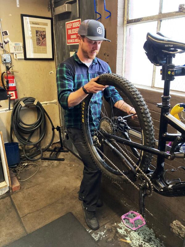 Retos en cadena de suministro afectan a industria de bicicletas con retrasos y limitaciones