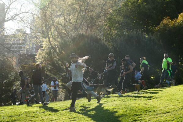 melbourne protesters run